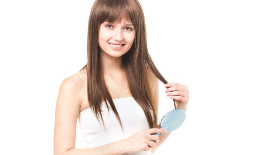 ヘアケアにもエミューオイルが使える!頭皮のベタつきやフケを抑えるマッサージ方法